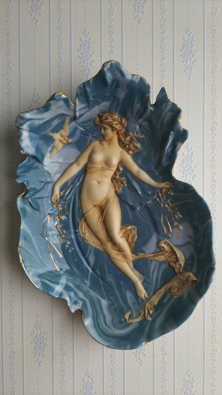 画像1: アフロディーテの陶器 壁掛け装飾 小物置きとしても使えます アフロディーテと雀 (1)